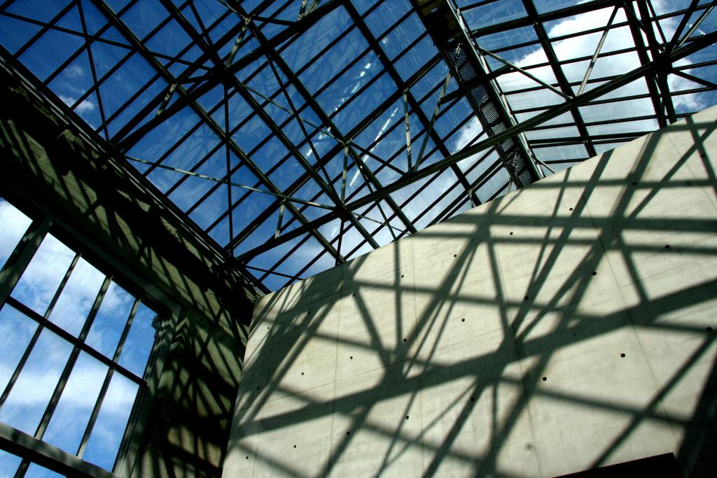 Shadows in the Musée de l'Orangerie
